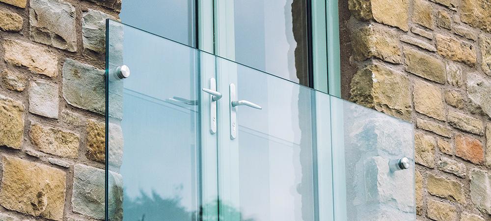 Frans balkon met glas en RVS - RVS Blog